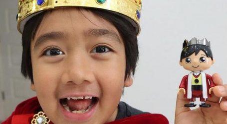 YouTube zvijezda: Ovaj devetogodišnjak otvara igračke i pritom odlično zarađuje