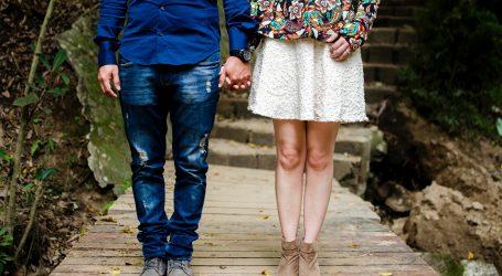 NEKONVENCIONALNI SUPRUŽNICI: Volim te i bez braka