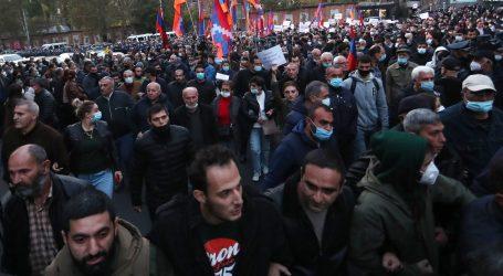 Prosvjedi u Armeniji, traži se ostavka premijera