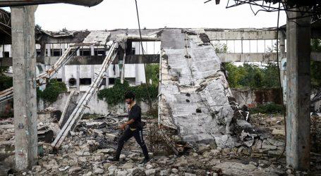 VIDEO: Požar uništio izbjeglički kamp u Bihaću, 1200 migranata ostalo bez smještaja
