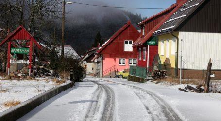 Mokro i sklisko, u Gorskom kotaru slab snijeg