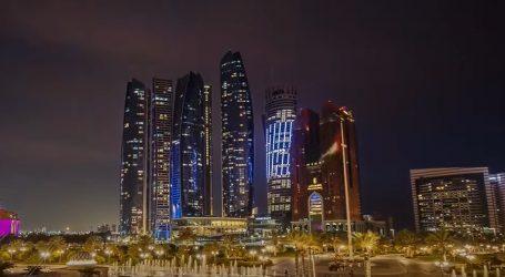 Rijetki prizor: Abu Dhabi obavijen gustom maglom