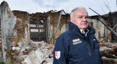 """Dumbović: """"Ljude treba izmjestiti iz središta Petrinje, opasno je"""""""