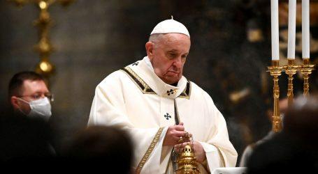 Papa Franjo i Benedikt XVI. cijepljeni protiv covida-19