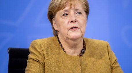"""Merkel: """"Srce mi se slama zbog velikog broja umrlih u domovima za starije"""""""
