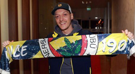 Bivši njemački reprezentativac Mesut Oezil potpisao za turski Fenerbahče