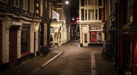 Nizozemci se javljaju za šetanje pasa da zaobiđu policijski sat