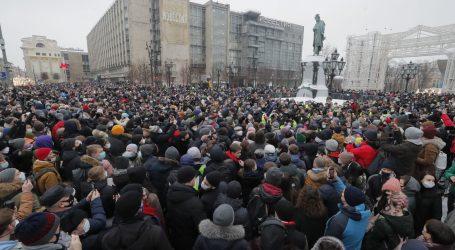 Iz Kremlja poručuju da je na prosvjedima bilo malo ljudi. Tim Navaljnog najavljuje nove prosvjede