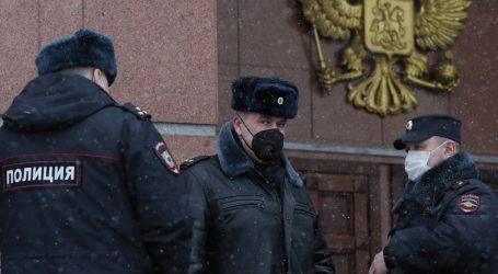 Najavljeni novi prosvjedi: Suradnici Alekseja Navaljnog pritvoreni su prije ročišta o njegovoj žalbi
