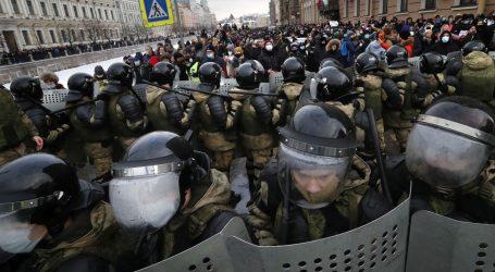Nemiri u Rusiji: Policija privela 4400 prosvjednika uz primjenu sile, uhićeno 60 novinara