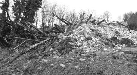 """Banija tuguje: Na gradskom groblju u Glini pokopani otac i sin Tomić. Susjed Željko: """"Odem li na sahranu, potpuno ću se raspasti"""""""