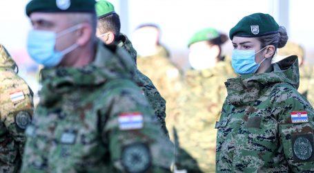 Iz vojarne u Petrinji na sigurno premješteno 338 osoba