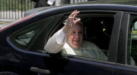 Vatikan: Osobni liječnik pape Franje umro od komplikacija zbog zaraze covidom-19