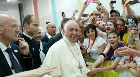 Papa Franjo darovao sto tisuća eura za potresom pogođeno područje u Hrvatskoj