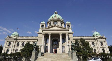 Srbija: U dan i pol 20 umrlih od korone, vlada najavljuje milijune doza cjepiva