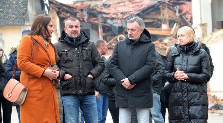 """Škoro u Petrinji: """"Podržat ćemo osnivanje istražnog povjerenstva za poslijeratnu obnovu"""""""