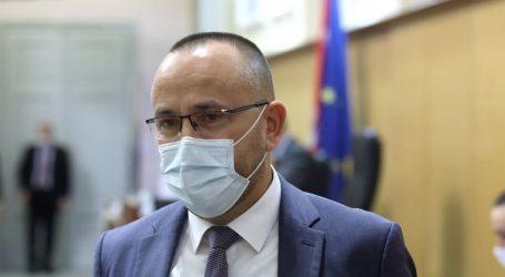 """Zekanović Berošu: """"Kako to da 'nesposobna' Srbija ima 10 puta više cjepiva od nas?"""""""