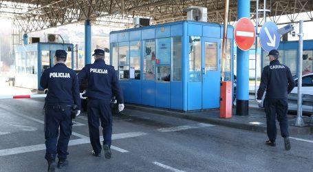 Prilikom prelaska hrvatske granice policija otkrila 45 osoba s krivotvorenim PCR testovima