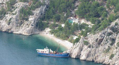 Poduzetnik blizak Milanoviću i Mesiću nizom manevara ostao u vlasništvu uvale Vruja
