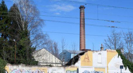 Segestica zbog potresa ostaje bez dijela stoljetnog dimnjaka
