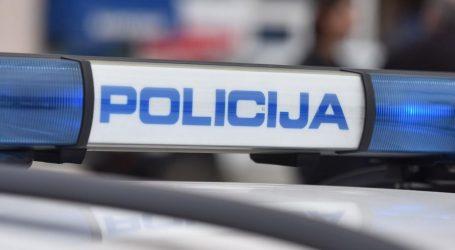 Policija ispod poklopca motora pronašla skoro kilogram duhana