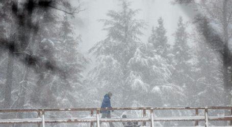 Snježna oluja Filomena odsjekla Španjolsku. Ljudi zarobljeni u automobilima, žena rodila u vozilu Hitne