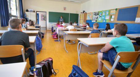 Od ponedjeljka u školi niži i viši razredi osnovnih te završni razredi srednjih škola