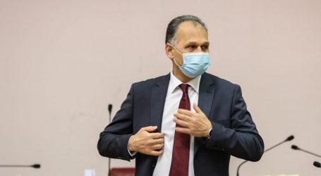 Kajtazi pozvao da se zabrani pozdrav ZDS, Pavliček kaže da u Hrvatskoj 'ne vidi ustaše ni ustaška obilježja'