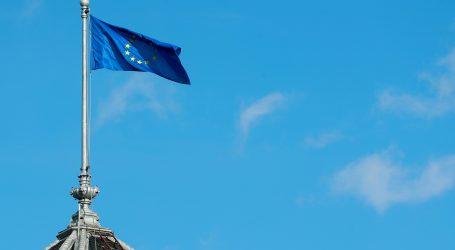 S veleposlanstva RH u Sarajevu skinuta i potrgana zastava EU-a