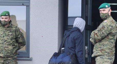 Evakuira se vojarna u Petrinji zog štete od posljednjeg potresa