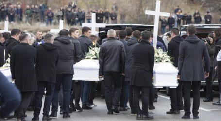 U Hrvatskoj Dan žalosti u spomen na osmero stradalih u Posušju