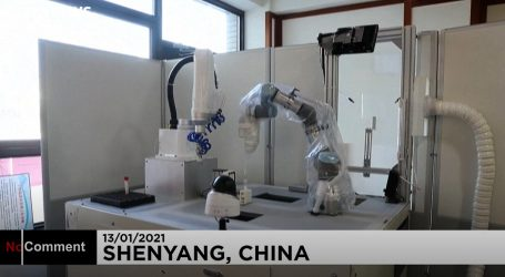 Robotska ruka programirana za uzimanje briseva