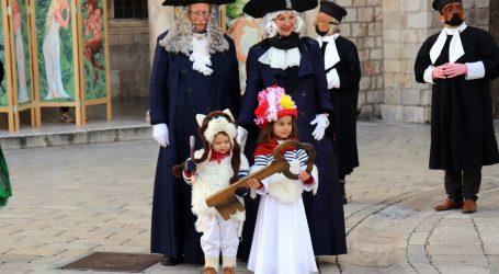 U Dubrovniku otvoren 21. Karnevo. Maškare se mogu veseliti samo uz online program koji će trajati četiri dana