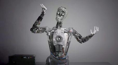 Šaljiva prezentacija pjevajućeg robota