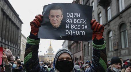 Rusija će po školama rasporediti čuvare, djecu će upozoravati protiv prosvjeda