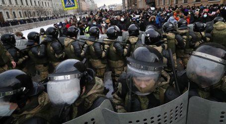 Rusija: Državno odvjetništvo želi trajni zatvor za Navaljnog, zapadne zemlje osudile represiju