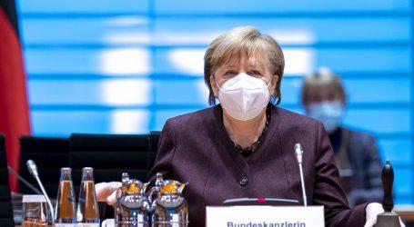 Angela Merkel u Bundestagu branila produljenje mjera, priznala neke ranije pogreške