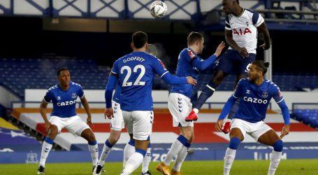 "FA Kup:  Evertonu ""ljepotica"" s devet golova"