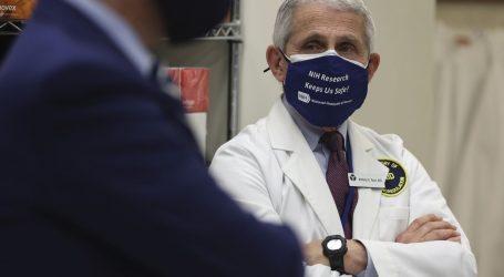 SAD: Glavni stručnjak za zarazne bolesti pozvao Amerikance da se cijepe bilo kojimod tri odobrena cjepiva