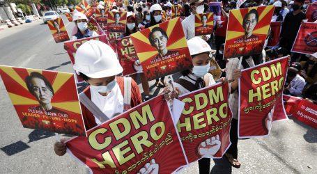 Snage sigurnosti zapucale na mirne prosvjednike u Mjanmaru
