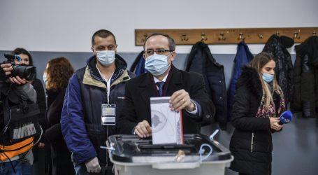 Izlaznost na prijevremenim izborima na Kosovu do 15 sati 32 posto