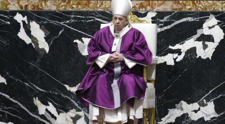 Papa u pandemijskim okolnostima vodi obrede na Pepelnicu