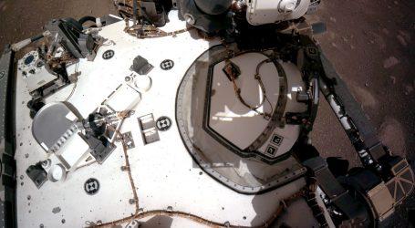 NASA objavila prvu videosnimku spuštanja Perseverancea na Mars