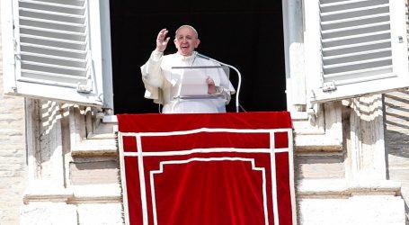 """Papa Franjo osudio """"gnusnu otmicu"""" 317 djevojčica u Nigeriji"""