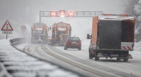 Nesreća na zagrebačkoj obilaznici: Automobil se zabio u ralicu, jedna osoba poginula