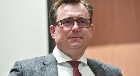 Državni službenici žele u Fond kod Vanđelića, ali prije moraju proći psihotest