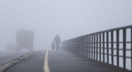 HAK upozorava na gustu maglu, kolnici su mokri i skliski, moguća je i poledica
