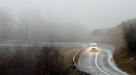 HAK: Kolnici mokri i skliski, magla u Gorkom kotaru