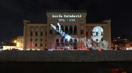 Sarajlije i Beograđani pjesmom se opraštaju od omiljenog Balaševića