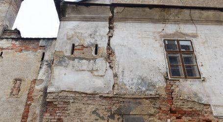 Banija: Za rušenje privatnih objekata vlasnici će morati sakupiti složenu dokumentaciju. Crvene naljepnice nisu dovoljne